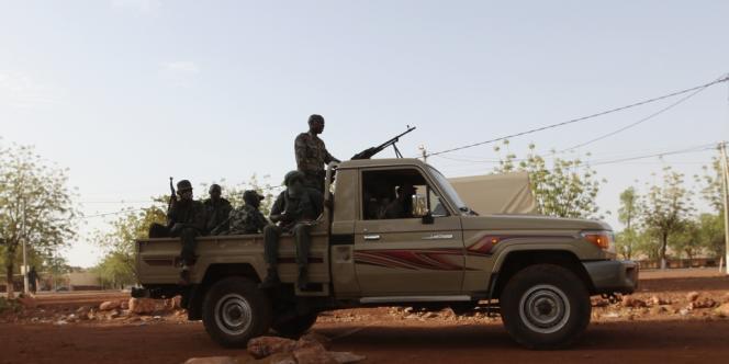 Des soldats maliens à Kati, le 3 avril 2012.