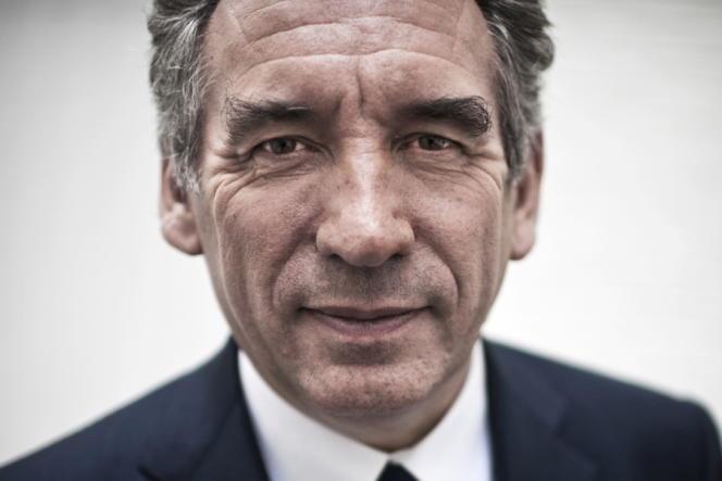 François Bayrou, dans son QG de campagne à Paris, jeudi 5 avril.