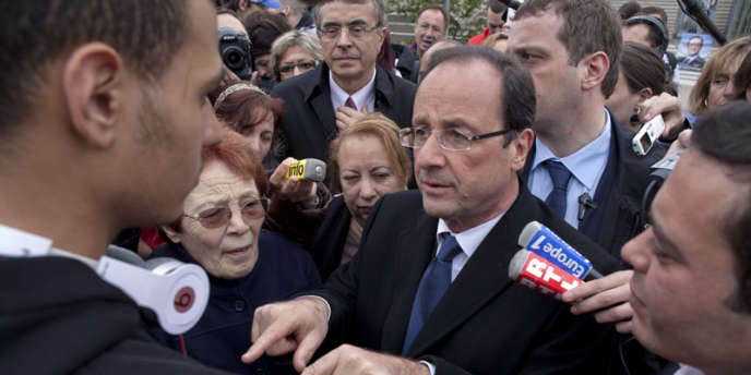 Depuis Vaulx-en-Velin, la banlieue lyonnaise où il était en visite le vendredi 6 avril, François Hollande a attaqué son rival Nicolas Sarkozy.