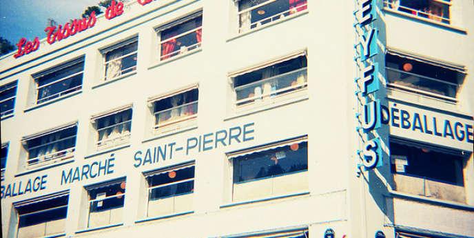 Marché Saint-Pierre, à Paris