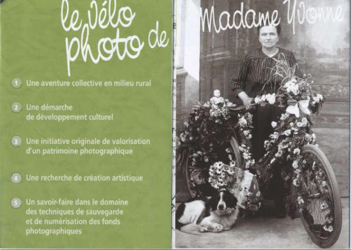Visuel de présentation du Vélo photo de Madame Yvonne, par la compagnie Papier Théâtre fondée par Pascale Laronze.
