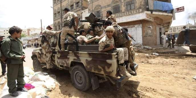 La transition politique dans le pays se complique du fait des divisions entre partisans et adversaires de la contestation anti-Saleh.