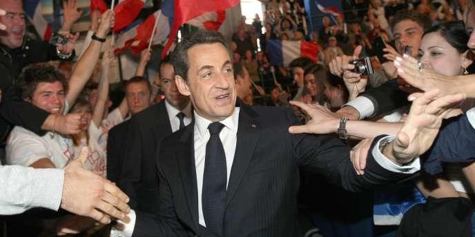 Nicolas Sarkozy à son arrivée au meeting de Saint-Raphaël, le 7 avril.