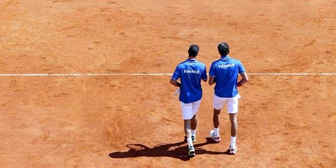 Michael Llodra et Julien Benneteau ont cédé face aux frères Bryan lors des quarts de finale de la Coupe Davis.