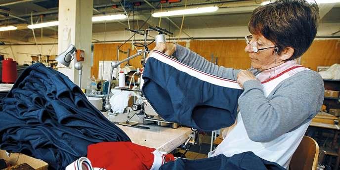 Le slip français est fabriqué à l'usine du Moulin Neuf, à Saint-Antoine-Cumond.