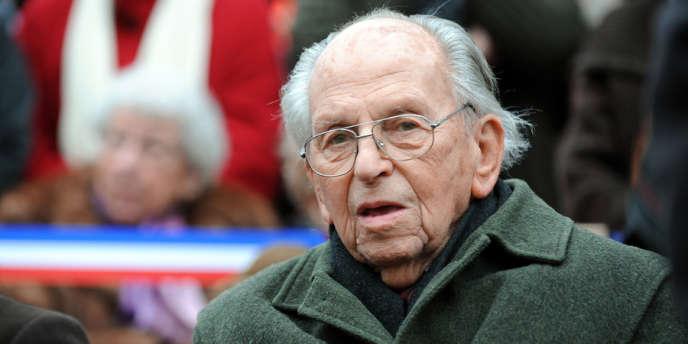Raymond Aubrac, l'un des derniers cadres de la Résistance, est mort à l'âge de 97 ans.