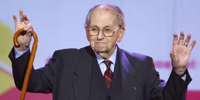 Raymond Aubrac, le 27 février 2008 lors d'un meeting du PS pour les municipales à Paris.