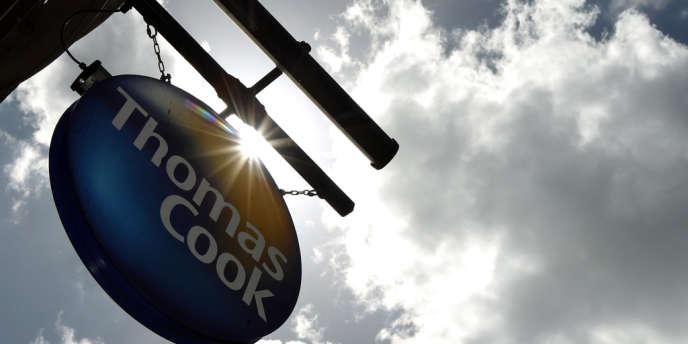 Thomas Cook supprimerait 240 postes, selon Les Echos.