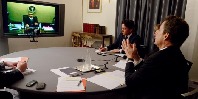 La visioconférence de Nicolas Sarkozy et Barack Obama, le 12 avril, vue de l'Elysée.
