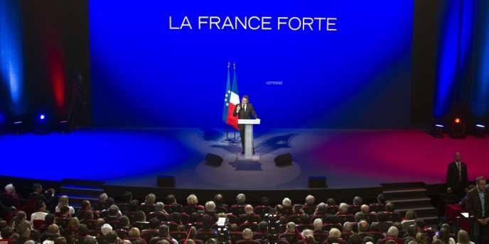 Nicolas Sarkozy en meeting à Chasseneuil-du-Poitou, lundi 16 avril 2012.