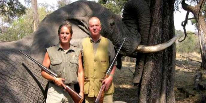 La photo du roi Juan Carlos chassant en 2006, publiée par les sites des quotidiens