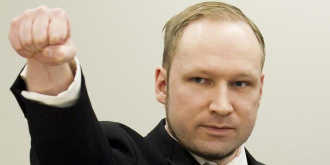 Le geste d'Anders Behring Breivik à son arrivée au palais de justice d'Oslo, le 16 avril.