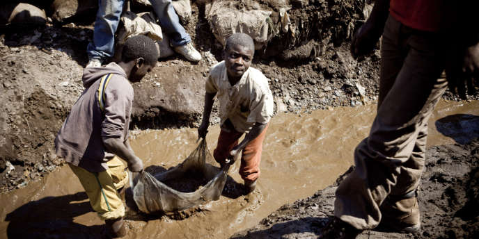 La RDC aurait perdu 1,36 milliard de dollars (1,04 milliard d'euros) à l'occasion de cinq transactions entre 2010 et 2012.