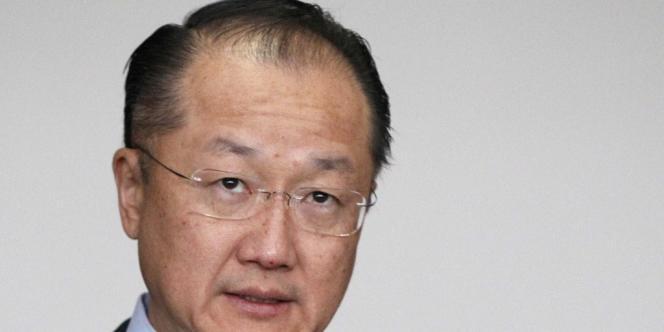 M. Kim, médecin de 52 ans né en Corée du Sud, a été préféré par les Etats membres à sa rivale, la ministre des finances nigériane Ngozi Okonjo-Iweala.