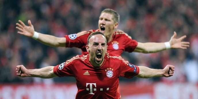 Le Français du Bayern Munich a remporté le titre de meilleur joueur de l'UEFA 2013 devant Lionel Messi et Cristiano Ronaldo.