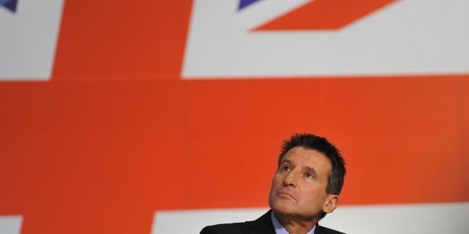 Sebastian Coe, président du comité d'organisation des Jeux olympiques de Londres, ici en conférence de presse à Birmingham le 6 octobre 2010.