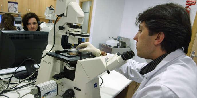 Le diabète est la grande spécialité du groupe français Sanofi , avec plus de 6,5 milliards d'euros de chiffre d'affaires en 2013.