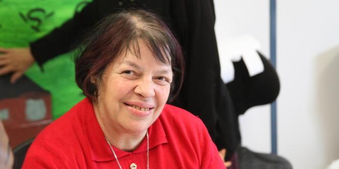Martine Mescan a appris les gestes simples du vote en participant aux ateliers citoyens du centre de Vanves.