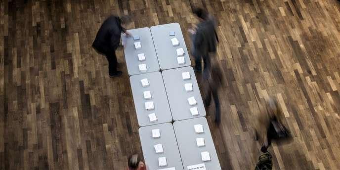 La Commission De Controle Veut Fermer Tous Les Bureaux De Vote A 20