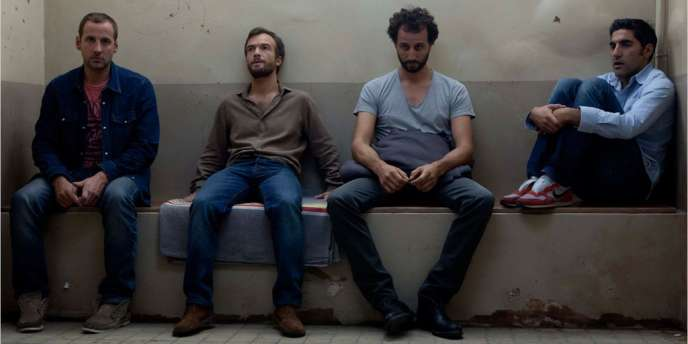 Fred Testot, Jonathan Lambert, Arié Elmaleh et Ary Abittan dans le film français d'Arnaud Lemort,