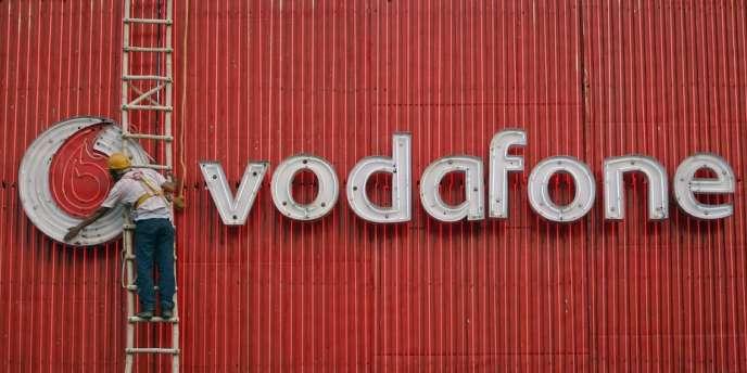 Le britannique Vodafone, qui est l'un des tout premiers opérateurs mobiles mondiaux en nombre de clients (400 millions).