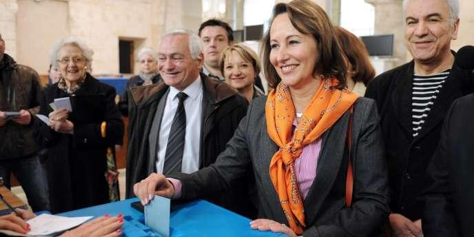 Ségolène Royal vote à La Rochelle, dimanche 22 avril.