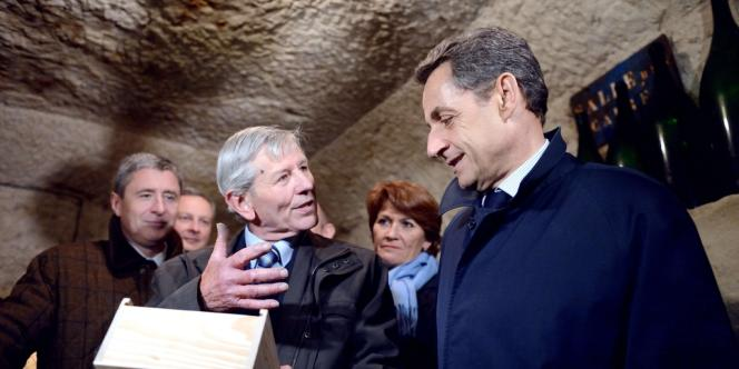Nicolas Sarkozy en campagne à Vouvray, lundi 23 avril.