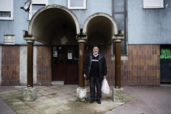 M. Bittouche, 75 ans, habitant de la cité des Courtillières à Pantin :