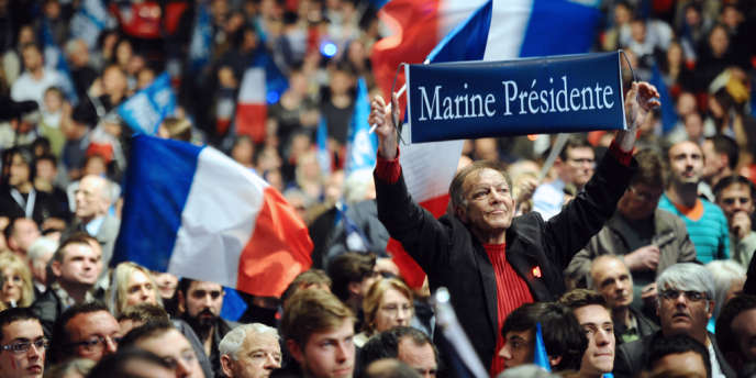 Lors du meeting de Marine Le Pen à Paris,  le 17 avril.