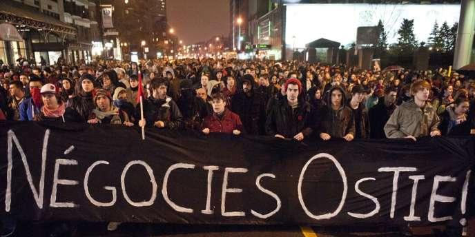 Manifestation étudiante à Montréal, jeudi soir 26 avril 2012.