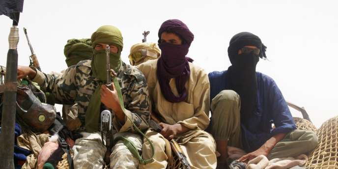 Depuis fin mars/début avril, les villes et régions administratives du nord du Mali - Tombouctou, Kidal et Gao - sont tombées aux mains de groupes armés islamistes, un bouleversement précipité par un coup d'Etat qui, le 22 mars, a renversé le président Amadou Toumani Touré.