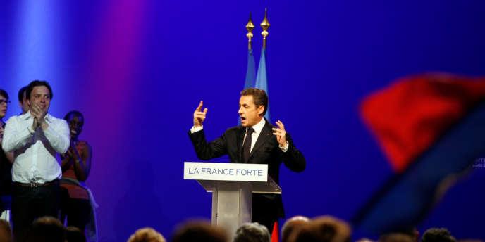 Nicolas Sarkozy, lui, tenait meeting à Toulouse, dimanche 29 avril.