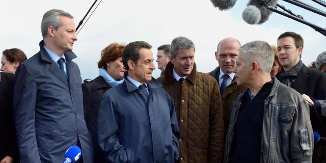 Nicolas Sarkozy en compagnie de Bruno Lemaire et Frédéric Nihous lors de son premier déplacement à Vouvray après le premier tour