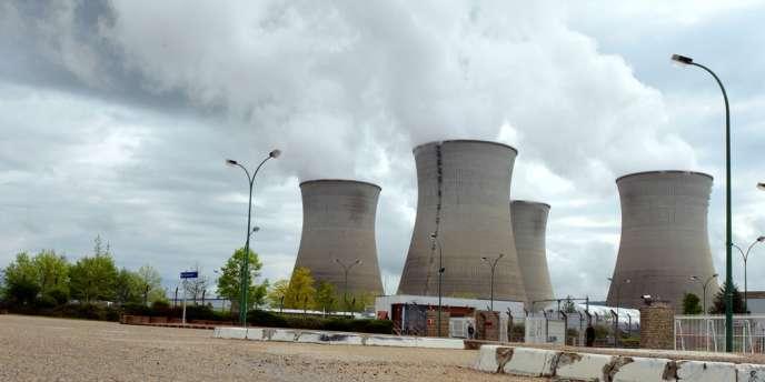 La Pologne veut se doter de deux centrales nucléaires de 3 000 mégawatts chacune d'ici 2024.