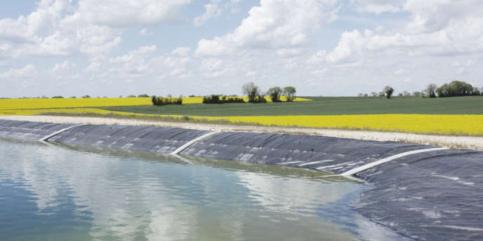 Réserve d'eau d'irrigation sur le bassin versant de la Boutonne, sur la commune de Périgné, dans les Deux-Sèvres.
