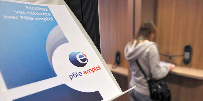 La France a enregistré, en mars, un nombre exceptionnel de chômeurs : 3 224 600 demandeurs d'emploi de catégorie A, ceux qui n'exercent aucune activité, même réduite. Le précédent record, si l'on ose dire, datait de janvier 1997.