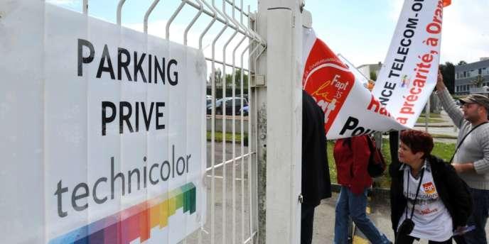 Manifestation des salariés de Technicolor qui redoutent la vente ou la fermeture de l'usine à Cesson-Sévigné (Ille-et-Vilaine), le 24 avril.