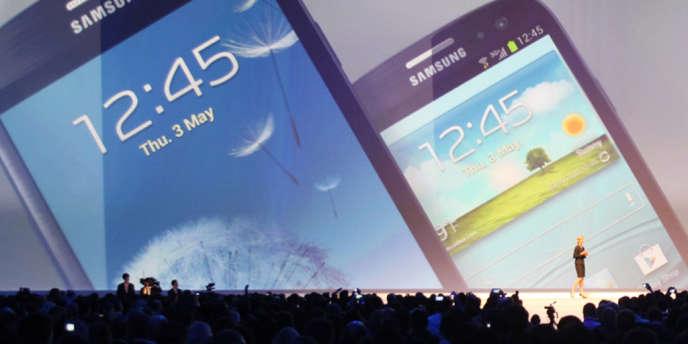 Sur 2012, Samsung a enregistré un chiffre d'affaires record, toutes activités confondues, de 139,52 milliards d'euros. Ici, le smartphone Galaxy SIII, une des meilleures ventes de Samsung.