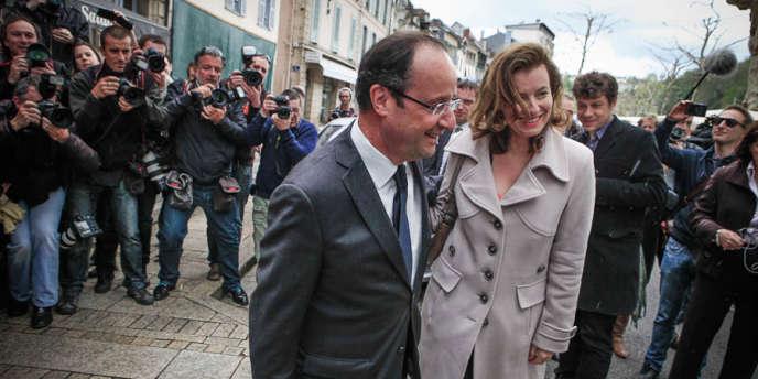 François Hollande et Valérie Trierweiler, le 5 mai 2012, à Tulle, en Corrèze.