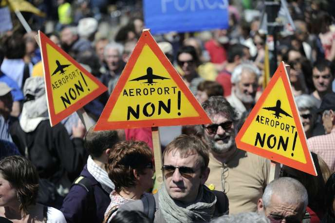 Manifestation à Nantes d'opposants à la construction d'un nouvel aéroport à Notre-Dame-des-Landes, le 3 mai 2012.