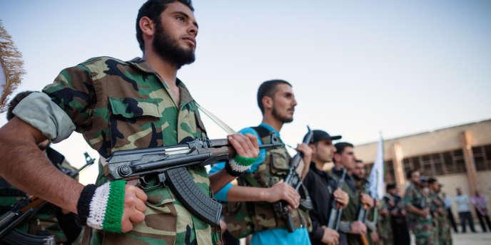 Des recrues de l'armée syrienne libre, dans la ville de Qusair, le 8 mai.