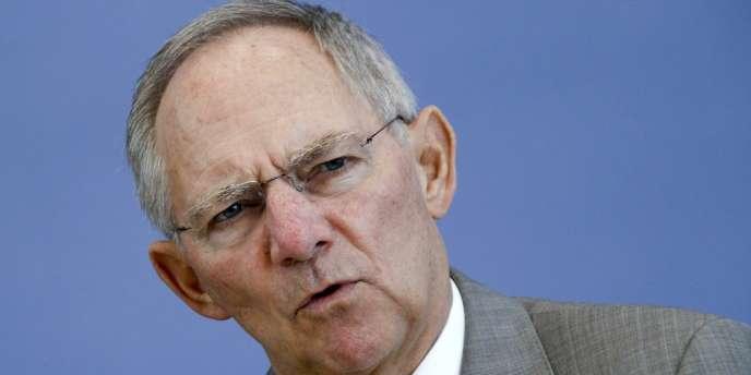 La première économie d'Europe devrait pâtir au quatrième trimestre 2012 et au cours des trois premiers mois de 2013 du ralentissement des investissements des entreprises, selon son ministre des finances, Wolfgang Schäuble.