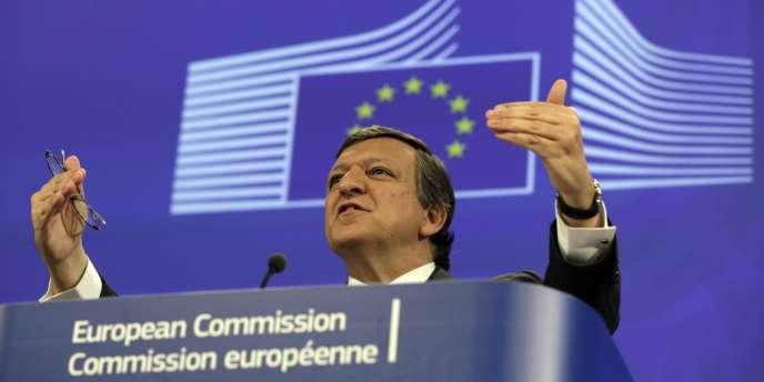La crise économique avive les tensions au sein de la Commission, qui doit dévoiler sa feuille de route le 22 janvier. Ici, Jose Manuel Barroso.