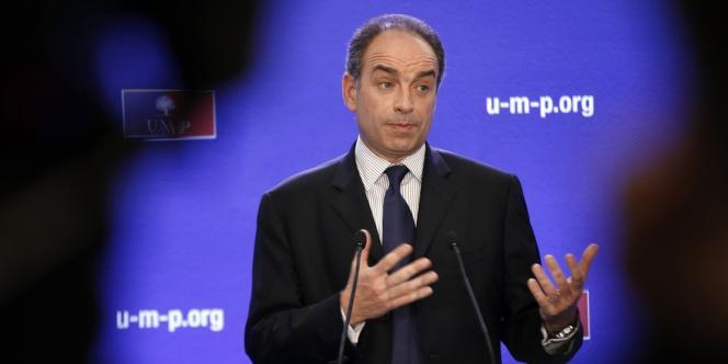 Jean-Francois Copé, secrétaire général de l'UMP, lors d'une conférence de presse au siège de son parti, le 7 mai.