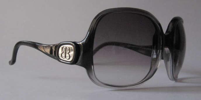 Les marques de luxe renégocient âprement leurs licences de lunettes 55b0ab0bb39f