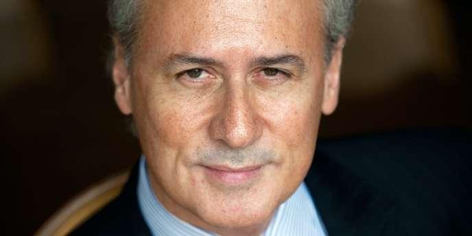 Photo prise le 30 mars 2011 à Paris de l'ancien ministre et député-maire UMP de Draveil, Georges Tron.