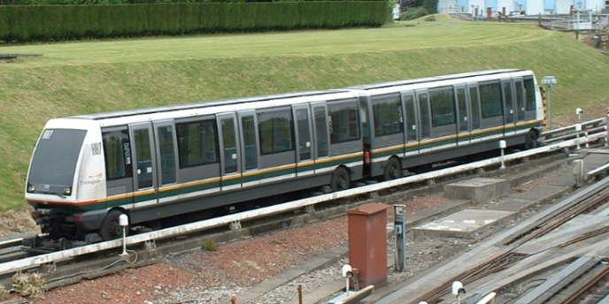 Un VAL 208 à Lille.