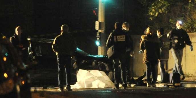 Des policiers sur une scène de crime à Marseille, le 1er mai.
