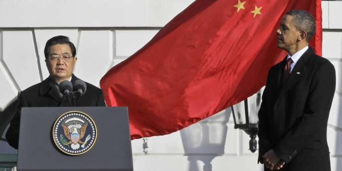 Barack Obama écoute le discours du président chinois Hu Jintao à la Maison Blanche, le 19 janvier 2011.