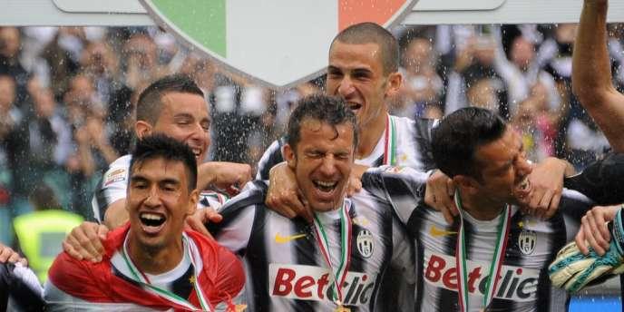 Les Turinois, autour de Del Piero, ont célébré leur titre de champions d'Italie.